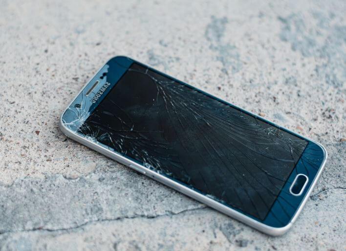 Szkła hartowane na telefon – poznaj zalety!